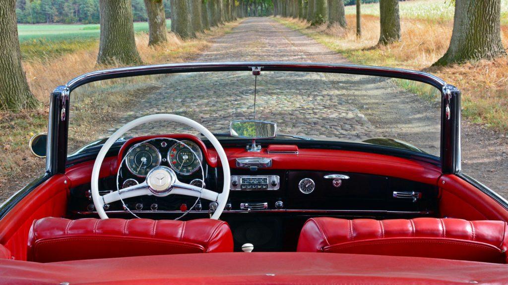 Classic Star Club's hovedaktivitet er køb og salg af klassiske Mercedes-Benz'er.